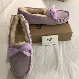NWT lavender UGG slippers/driving shoes w/bow